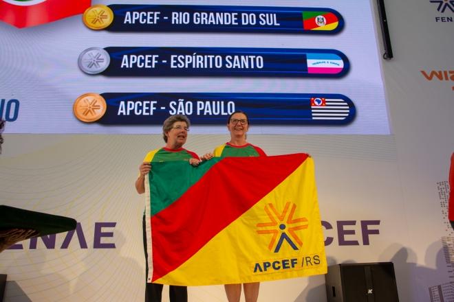 Tênis de duplas: Laura (E) e Margareth. Jogos Fenae 2018. Foto: Nilo Motta